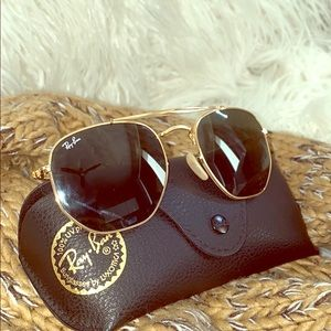 Trendy Ray-Ban Hexagonal Sunglasses 🕶